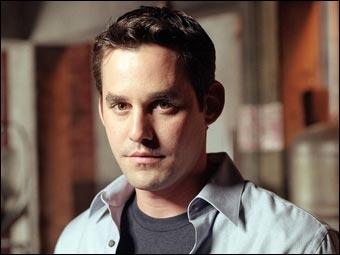 Quel acteur joue Alexander Harris ?