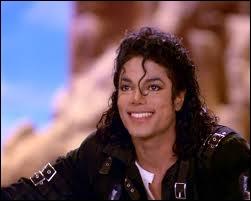 Dans le clip  Speed Demon , de quelle couleur est le pantalon du lapin qui danse avec Michael ?