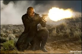Sur qui Nick Fury tire-t-il ?