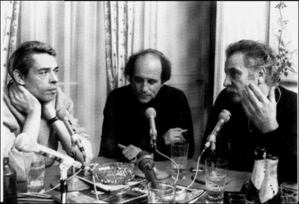 Lequel de ces trois grands chanteurs francophones a interprété  La mémoire et la mer  ?