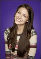 Comment s'appelle cette jeune fille réservée qui devient membre du Glee Club dans la saison 4 ?