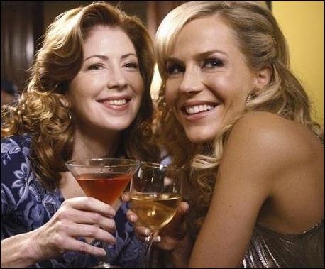 Katherine Mayfair revient à la fin de la saison 8 et raconte à ses amies qu'elle et Robin sont séparées. Mais, combien de temps sont-elles restées ensemble ?