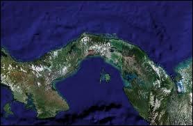 Quelles étendues d'eau sont séparées par l'isthme de Panama ?