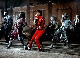 Dans quel clip danse-t-il avec des zombies ?