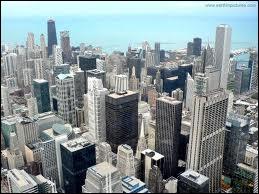 Quelle personnalité n'est pas née à Chicago ?