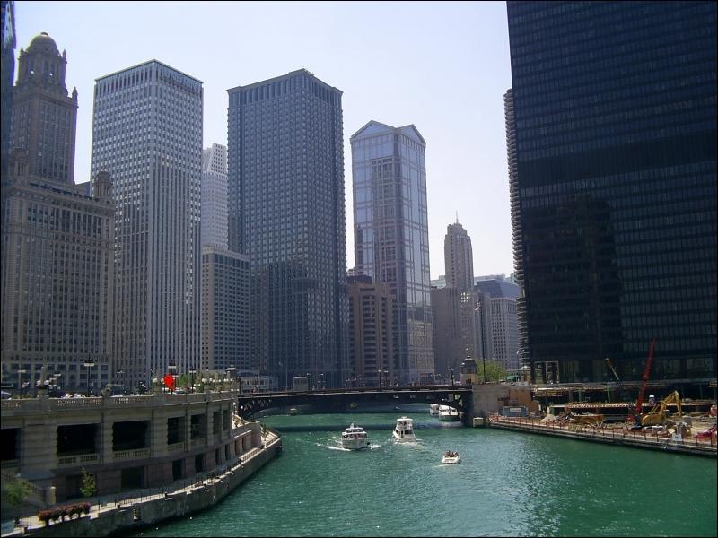 Quel est cette rivière qui traverse le centre-ville ?