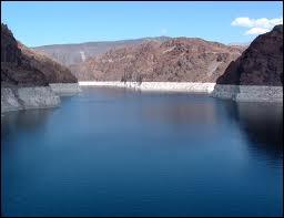 Quel est le facteur responsable des problèmes d'alimentation en eau de la métropole ?