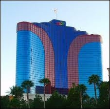 Qu'est-ce qui est faux sur l'hôtel «Rio All-Suite Hotel & Casino», un hôtel ayant le carnaval de Rio comme thème ?