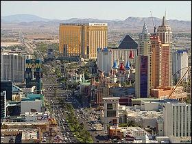 Lequel de ces hôtels est le plus au sud de «The Strip» ?