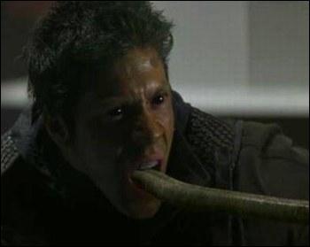 Dans  X-Men 1 , qui arrive à vaincre le Crapaud au dénouement du film ?