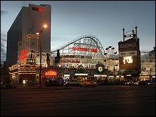 Le Boardwalk Hotel & Casino a été détruit en 2006. Quel thème avait-il ?