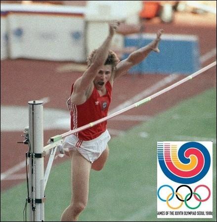 Légende du saut à la perche, Sergueï Bubka franchit 5 mètres 90 et décroche la médaille d'or aux jeux de Séoul en 1988. Comment était-il surnommé par les médias ?