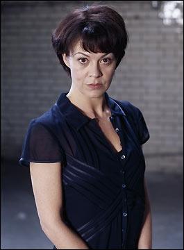 Quel personnage interprète Helen Mccrory ?