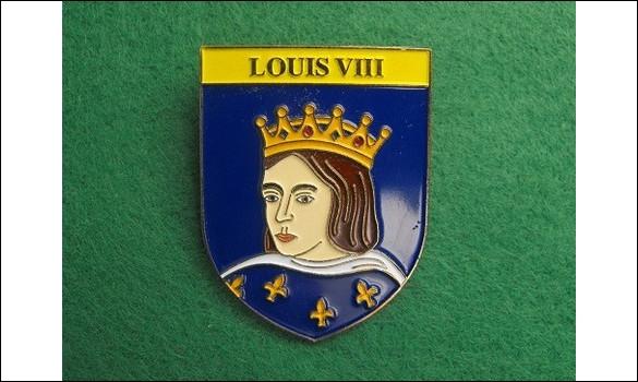 De quoi serait mort Louis VIII le Lion, le 08 novembre 1226 à Montpensier en Auvergne, seulement à l'âge de 39 ans, après trois ans de règne ?
