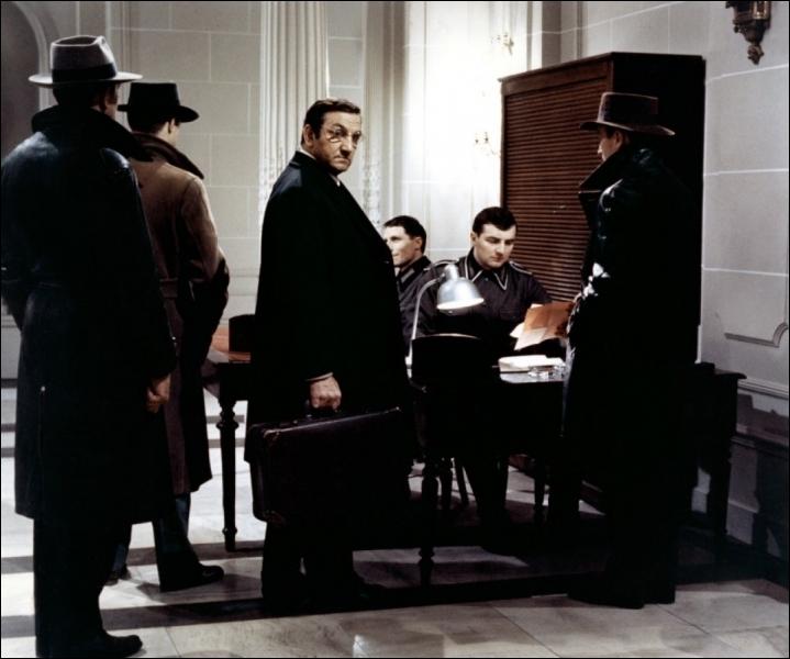 Quels acteurs se partagent l'affiche avec Jean-Pierre Cassel et Lino Ventura dans  L'armée des ombres  ?