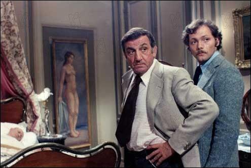 Quel est le nom du commissaire incarné par Lino Ventura dans le film de Granier Deferre  Adieu Poulet  ?