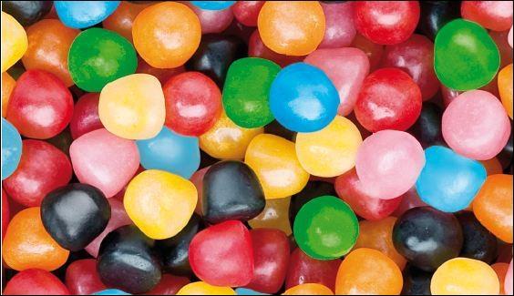 Je suis un bonbon en forme de boule bleue, rouge, jaune, verte...