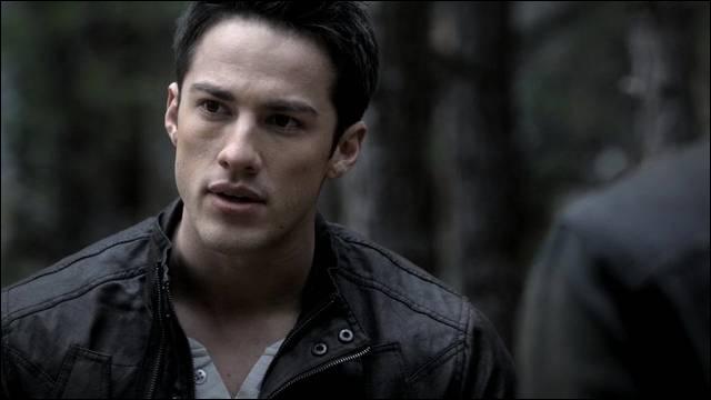Pourquoi Tyler Lockwood devient-il loup-garou ?