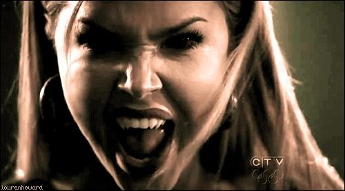 Qui joue Lexi, la meilleure amie de Stefan ?