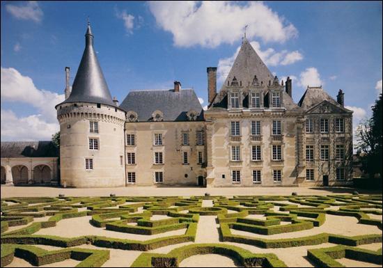 Aux conflins du Berry, un Parc à l'anglaise y côtoie un jardin à la Française, géré par le Parc national de la Brenne et proprieté de la ville de Tours :