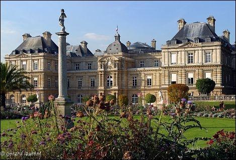 Réputé pour son jardin, édifié pour Marie de Medicis, il s'enrichit d'inspirations italiennes, il est à Paris une des pièces fondatrices du classicisme français :