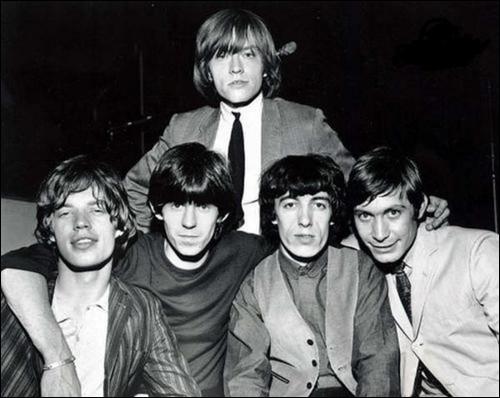 Groupe de rock britannique, formé en 1962 à Londres. Mick Jagger et Keith Richards sont les membres les plus connus. Avec '(I Can't Get No) Satisfaction', ils deviennent connus dans le monde entier.