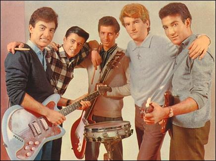 Groupe de rock français fondé en 1959. Ce groupe compta Eddy Mitchell parmi ses membres. Leurs succès comprendront : 'Be-Bop-A-Lula', 'Tu parles trop', 'Danièla', 'Dactylo Rock'.