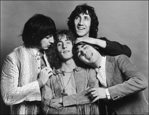 Groupe de rock britannique formé en 1964 à Londres. Compte parmi ses membres Pete Townshend et Keith Moon, décédé en 1978. Ils connaissent de nombreux succès, dont 'My Generation' fait partie.