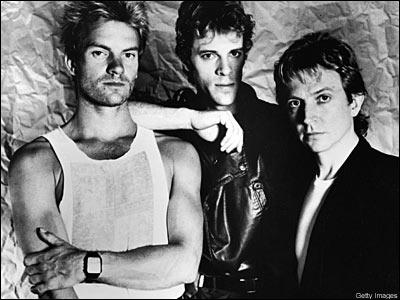 Groupe de rock britannique formé en 1977, qui compte notamment Sting parmi ses membres. 'Message in a Bottle', 'Walking on the Moon', 'Every Breath You Take', 'Roxanne'. . font partie de leur succès.