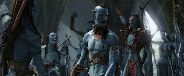 Comment s'appellent les humanoïdes bleus qui peuplent cette planète et qui sont hostiles à l'homme ?