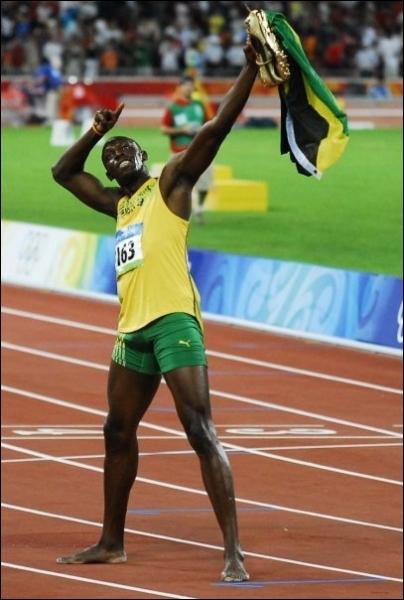 On commence avec une épreuve incontournable. Dans quelle épreuve Usain Bolt s'est-il illustré aux JO de Pékin en 2008 avec un chrono à 9s 69 ?