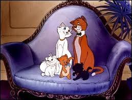 Dans  Les Aristochats , comment s'appelle la chatte mère des chatons Marie, Toulouse et Berlioz ?