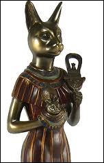 Quelle déesse égyptienne est représentée sous l'aspect d'une femme à tête de chat ?