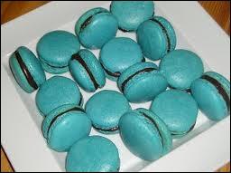 Le macaron est un gâteau très à la mode, et les pâtissiers les plus célèbres regorgent d'imagination pour leurs parfums. En voici des bleus clairs, grâce. . ?