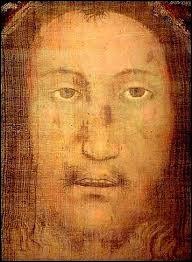 Le voile de Manoppello serait l'image du visage de Jésus-Christ. Quel est le nom de la femme pieuse de Jérusalem qui épongea le visage ensanglanté du Christ avec ce voile lors de sa montée au Calvaire ?