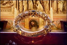La Sainte Couronne serait, selon la tradition chrétienne, la couronne posée sur la tête du Christ avant sa crucifixion. De quel matériau était-elle faite ?