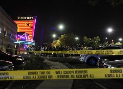 Une fusillade a lieu le 20 juillet 2012, dans le cinéma du centre commercial d une ville du Colorado , la ville de/d'