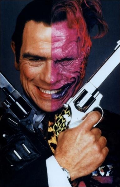 Joel Schumacher en 1995 sort un nouveau  Batman' avec Val Kilmer Jim Carrey, Tommy Lee Jones, Nicole Kidman ; peu de succès pour :