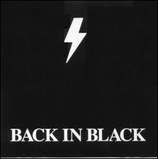 Qui  retourne dans le noir  avec cet album ?