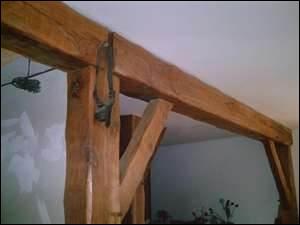 Pièce de bois équarrie, de grandes dimensions, les solives de la charpente s'y appuient.