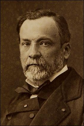 En 1885, Louis Pasteur vaccine pour la première fois un berger alsacien de 9 ans, Joseph Meister contre cette maladie. La vaccination sera une réussite. Par la suite, il créera un institut à son nom.