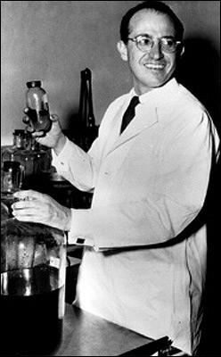 En 1953, un médecin américain découvre un vaccin contre la poliomyélite. Un an plus tard, ce vaccin sera mis en vente par le laboratoire pharmaceutique allemand Behring. Quel est ce médecin ?