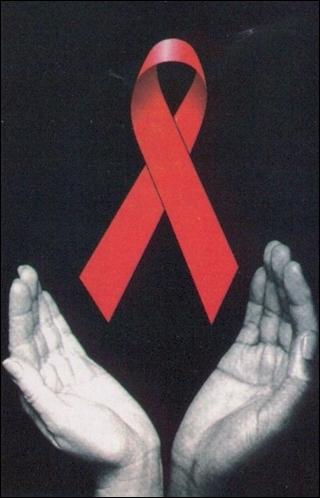 En 1981, cinq cas de forme rare et grave de pneumonie apparaissent aux Etats-Unis. On découvrira plus tard qu'il s'agit du SIDA. En 1983, on découvre le virus responsable. Quel est-il ?