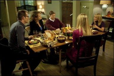 Dans le script original, il était question qu'une femme soit une autre fille de Meredith, et donc la demi-soeur de Claire. L'idée a été abandonnée, mais de qui était-il question ?