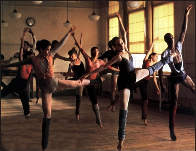 Ce film raconte le parcours, dans la célèbre « High school of performing arts » de 6 jeunes qui désirent percer dans le milieu du spectacle new-yorkais.