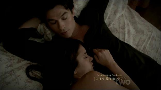 D'après Damon, que souhaite Elena dans une relation amoureuse ?