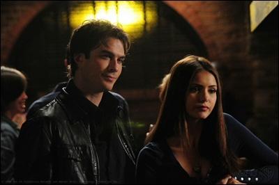 Dans l'épisode 04 de la saison 3, que cuisinent Damon et Elena ?