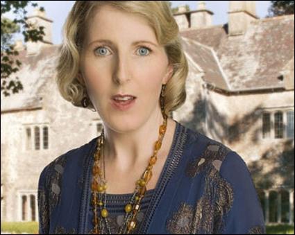 Ce n'est pas un personnage d'un roman d'Agatha, sur l'illustration, mais Agatha elle-même, dans l'épisode drôlatique et hommage d'une série célèbre. Quelle série ?