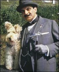 Voici l'élégant Hercule Poirot avec un joli fox-terrier. De quel épisode et roman s'agit-il ?