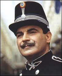 Pourquoi Hercule Poirot se trouve-t-il ainsi habillé, dans un épisode tiré de la nouvelle intitulée La boîte de chocolats ?